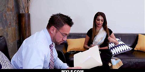 Bollywood Hot MILF - Malaika Arora (Cheat again)
